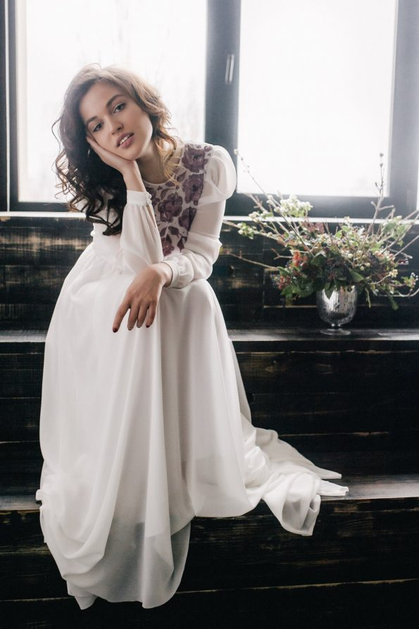 Off-white wedding dress with long sleeve