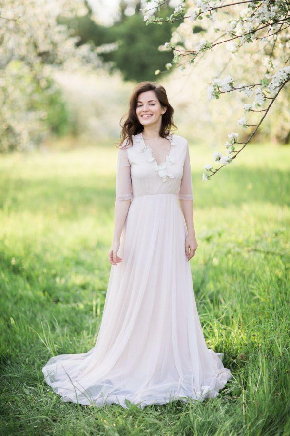 Nude v-neck wedding dress