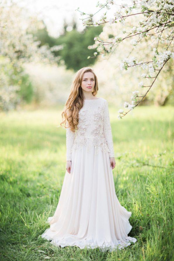 Wedding dress with long sleeve