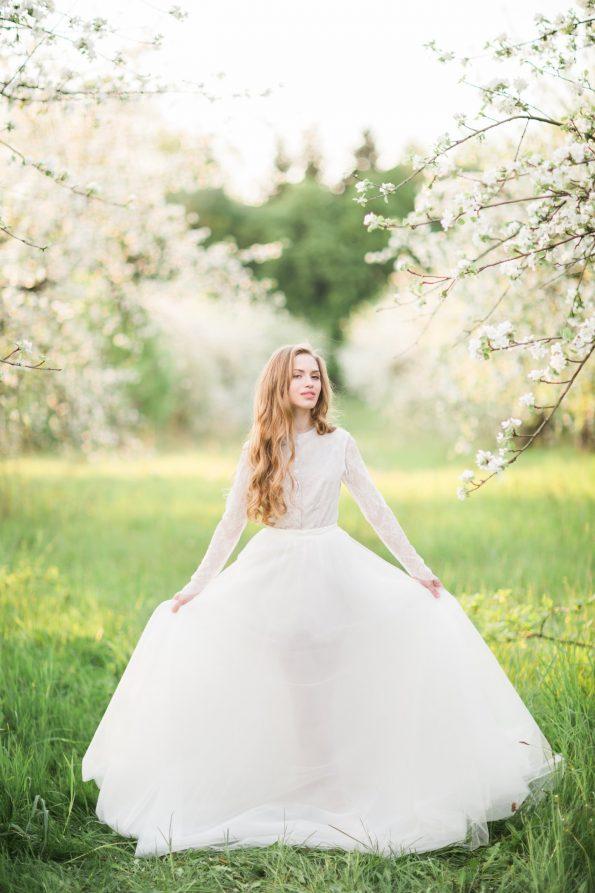 High-neck wedding dress