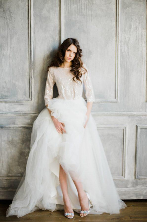Sequin elbow sleeve high-neck wedding dress