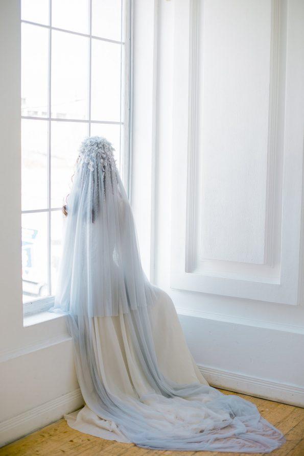 Light blue veil